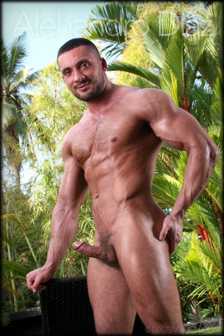 LegendMen-Hot-naked-big-muscle-dude-Alehandro-Diaz-strips-nude-ripped-six-pack-abs-big-muscled-dick-flexing-cumshot-jerking-001-gay-porn-sex-gallery-pics-video-photo