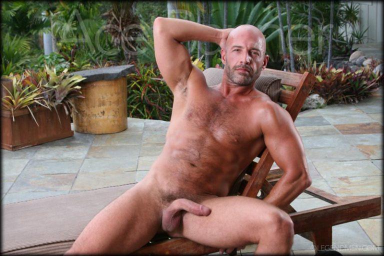 LegendMen-shaved-head-muscled-bodybuilder-Ace-Banner-strips-naked-masturbates-big-muscle-dick-hard-erect-001-male-tube-red-tube-gallery-photo