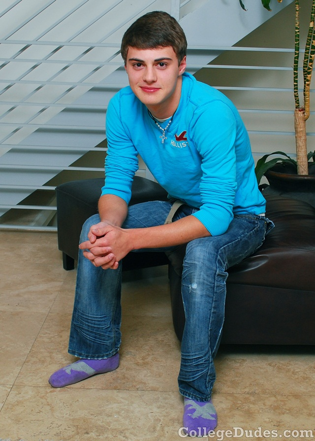 18-year-old-Hunter-Page-oned-torso-hot-bubble-butt-and-huge-hard-dick-01-Young-nude-Boy-Twink-Strips-Naked-and-Strokes-His-Big-Hard-Cock-torrent-photo1