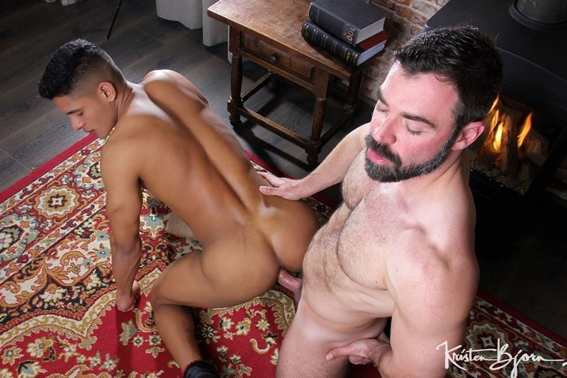 Kristen-Bjorn-ripped-muscle-dude-Santiago-Rodriguez-flip-flop-bareback-fucking-Jose-Quevedo-ass-hole-001-gay-porn-pics