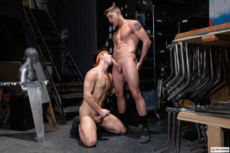 Ripped-muscled-dude-Devin-Franco-Johnny-Ford-huge-uncut-cock-flip-flop-ass-fucking-001-gay-porn-pics