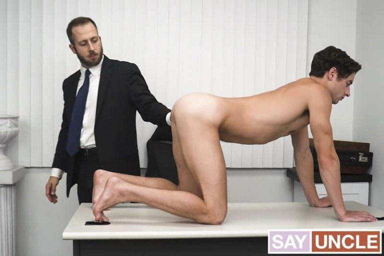 President-Lewis-hot-asshole-bareback-fucked-young-Elder-Taylor-Reign-huge-thick-dick-001-gay-porn-pics