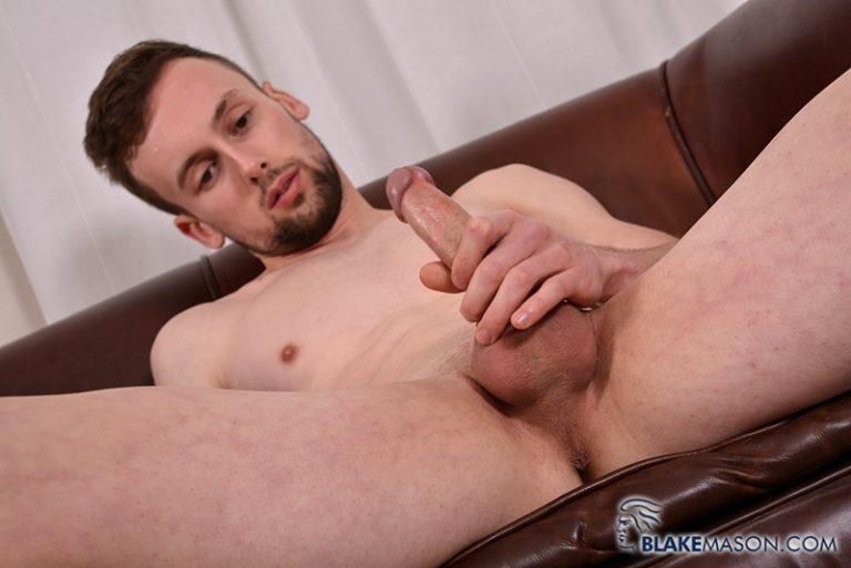 BlakeMason-Straight-British-naked-dude-Eden-Starr-jerks-big-uncut-dick-bubble-butt-ass-hole-huge-dildo-ass-play-001-gay-porn-sex-gallery-pics-video-photo