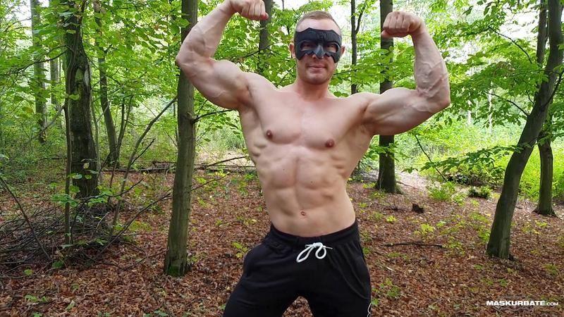 Horny-big-muscle-hunk-Maskurbate-Zahn-outdoor-wank-stroking-thick-uncut-dick-massive-orgasm-0-image-gay-porn